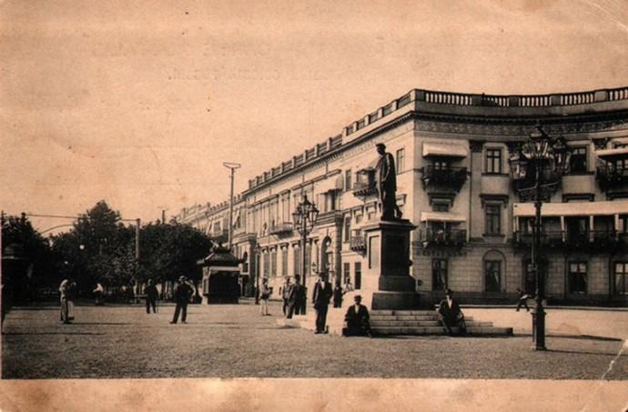 Памятник Решелье